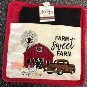 NWT FARM MEMORIES pot holder and towel set